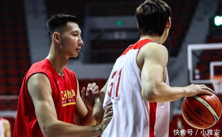新中国男篮首秀现恐怖统治力
