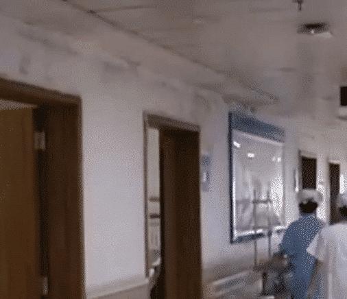 女子不慎将异物塞入体内25cm,就医时都没敢拔,医生:你这样是对的!插图(2)