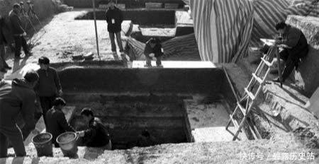 南京挖出秦桧之墓,墓中遗嘱揭开岳飞死因,我们真的被骗了