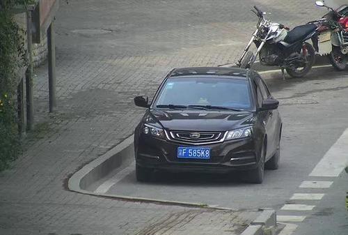奉�交巡警曝光一批交通�`法未�理的�C�榆�