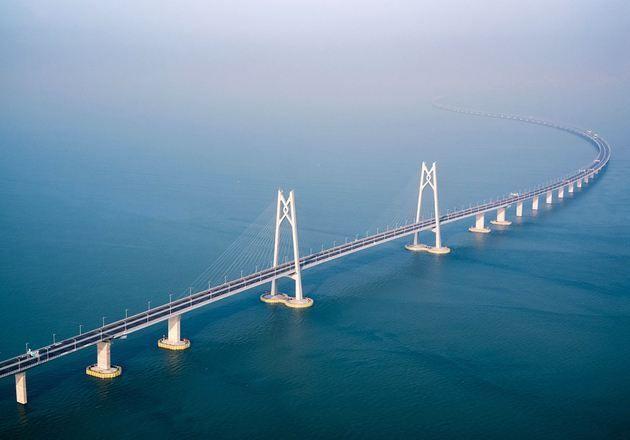 海上那么平,为什么港珠澳大桥设计成弯的?看完恍然大悟!