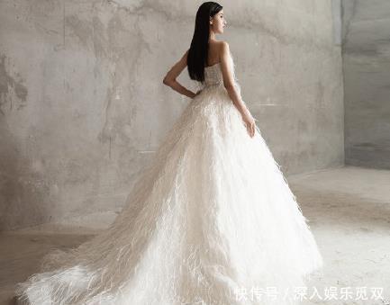 陈都灵首次T台秀,婚纱造型清纯优雅,不输巅峰时期的郑爽