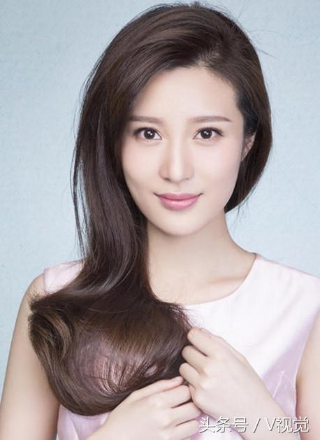 中国大陆女演员_邬靖靖,1991年6月6日出生于浙江省诸暨市,中国内地影视女演员.