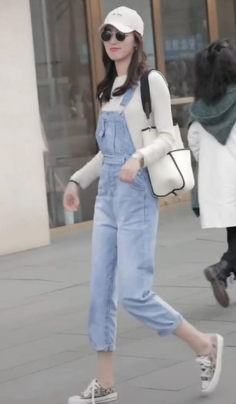 """森女系已经很土了,现在流行七分裤+""""脚踝芝麻鞋"""",美得比心! 森系搭配 第3张"""
